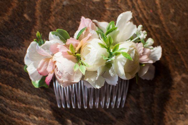 Grzebień grzebyk ozdoba do włosów kwiaty biały różowy pastelowy ślub