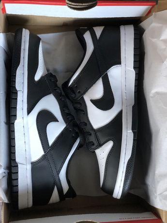 Nike dunk panda black white