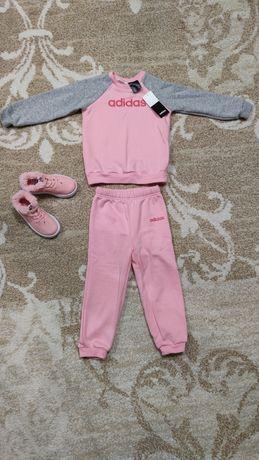 Спортивный костюм на флисе adidas оригинал 2-3 года