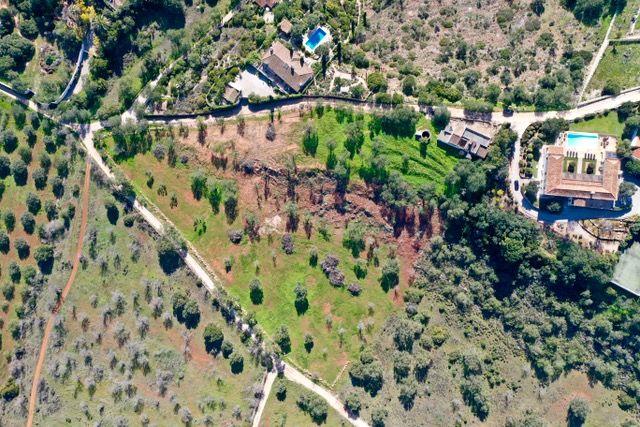 Terreno + ruina em Vale Judeu