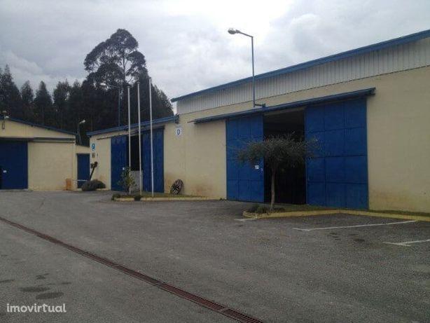 Armazém 2361m2 + Terreno 2.000m2 (Poiares - Santo André)