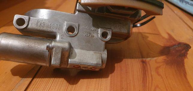 Audi A8D3 3.7 MPI napinacz nastawnik rozrzadu Lewy
