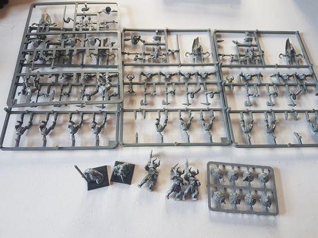 17x Maruder Chaosu Warhammer FB