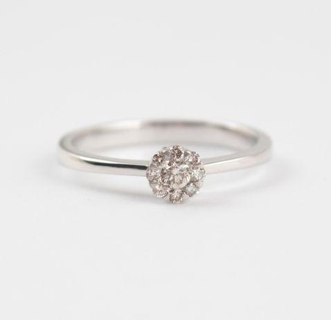 Распродажа! Кольцо из белого золота с бриллиантами
