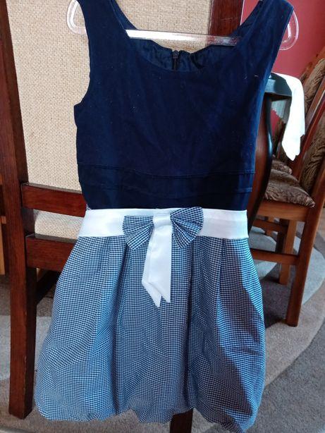 Sukienka sukieneczka rozmiar 122