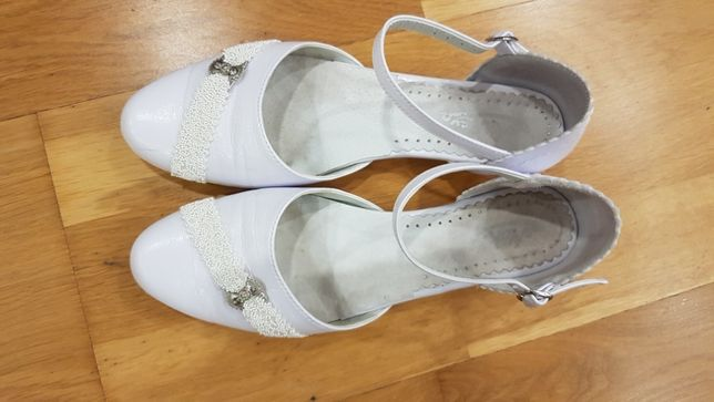 buty białe komunijne rozmiar 37