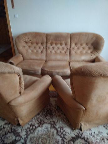 Zestaw wypoczynkowy - kanapa + 2 fotele /Ostrzeszów