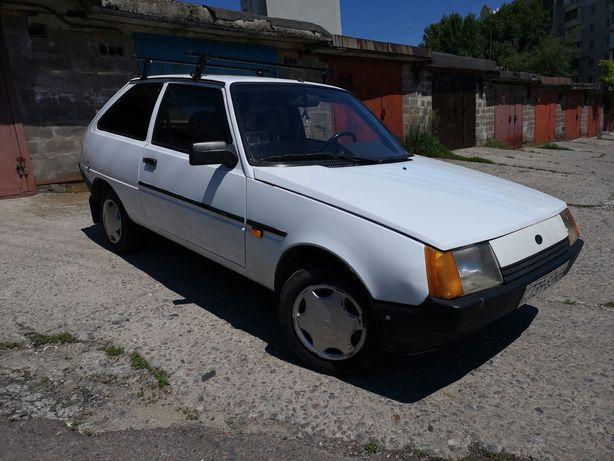 ЗАЗ 1102 Таврия Нова 2001 год
