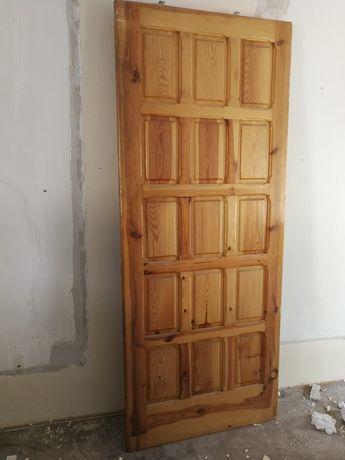Sprzedam drzwi przesuwne drewniane