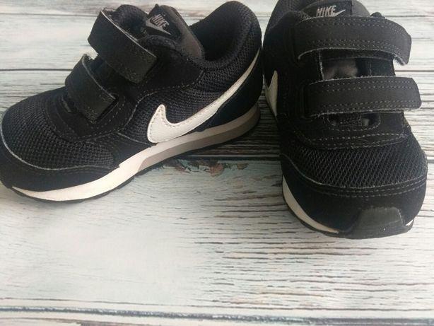 Buty dziecięce adidasy Nike md runner 2
