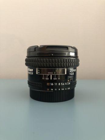 Nikkor 20 mm F/2.8 AF - Nikon