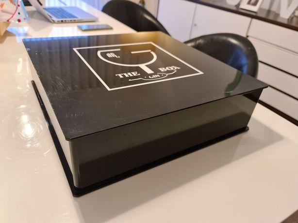 Caixa acrílica preta