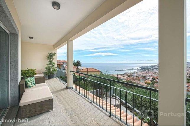 Moradia T3 Vista Baía do Funchal + Apartamento T1 em Alojamento Loc...
