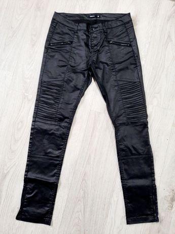 Nowe spodnie damskie TROLL roz. 38 woskowane