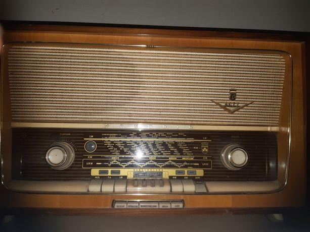 Radio Grundig 4077.