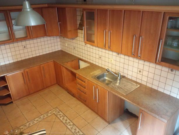 Kuchnia szafki kuchenne komplet mebli meble stół krzesła
