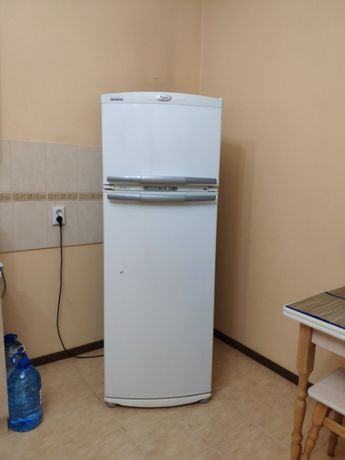 Продам холодильник Whirpool