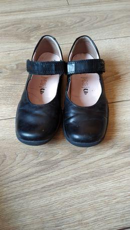 Кожаные школьные черные туфли Superfit 31р
