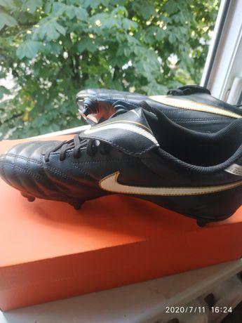 футзалки  бутси Nike(41 размер 26 см по стельке)