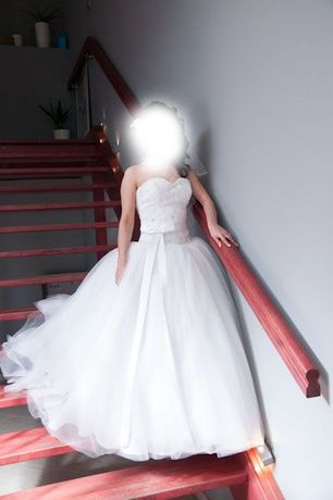 Wielowarstwowa Suknia ślubna - SWAROVSKIEGO cyrkonie