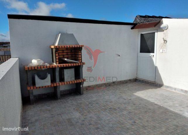 Moradia T3 + 3 com um otimo  terraço