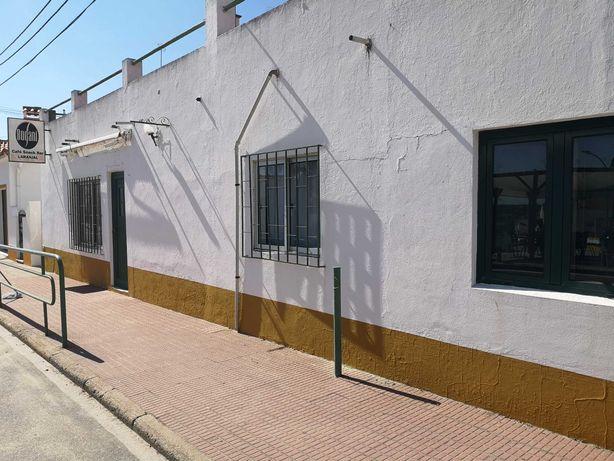 Comércio e habitação para venda