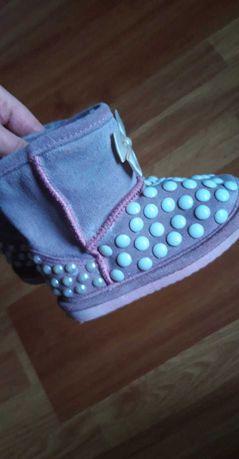 Зимове дитяче взутя угги
