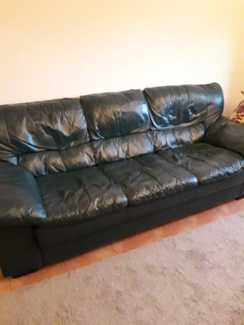 Sofa em pele4 lugares