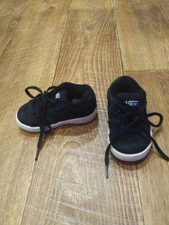 Кроссовки на мальчика Vans