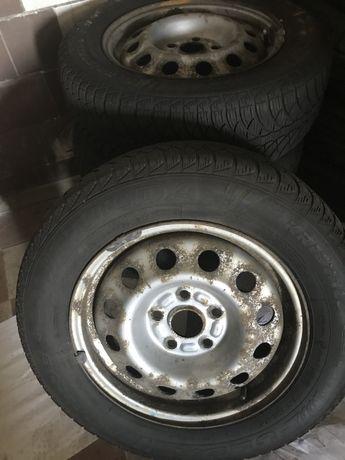 Оригинальные стальные диски VW Golf с зимней резиной Fulda 195/65R15