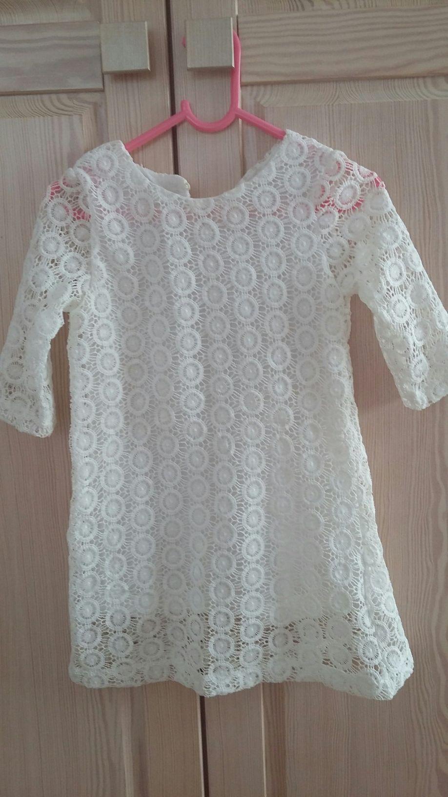Sukienka koronkowa r. 104 NOWA