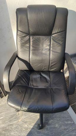 Cadeira escritório executiva usada