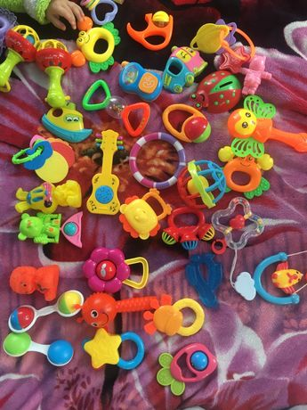 Детские игрушки для немовлят