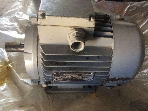 Електродвигун 1,1 квт. (лапи)