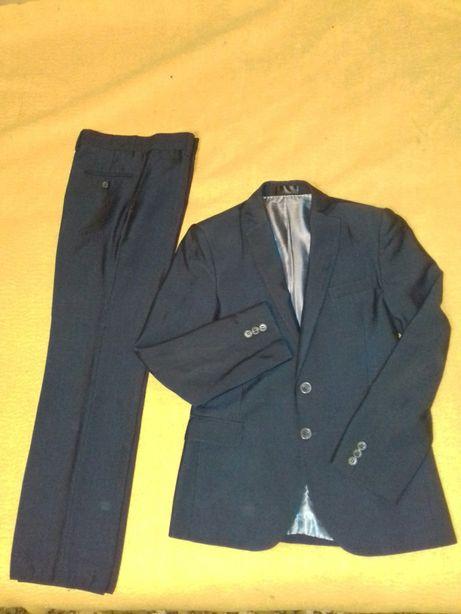 Форма школьная, Костюм брюки,пиджак, на мальчика 10-12 лет,38р.