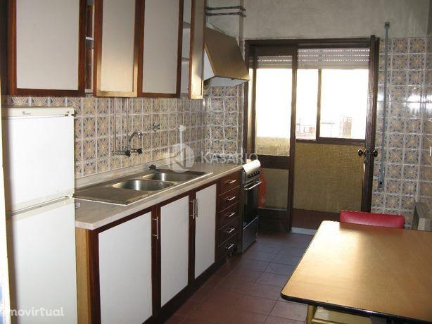 Apartamento T2 no Bairro do Liceu
