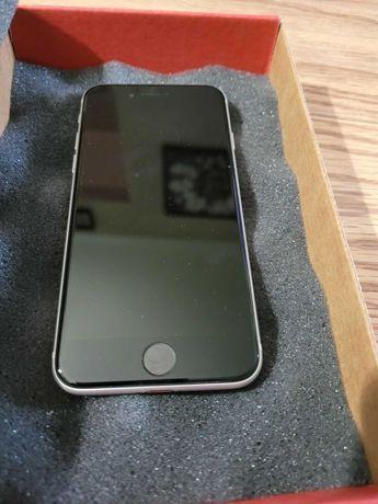 Продам iphone se 2020 gb white neverlock  б.у. в хорошем состоянии