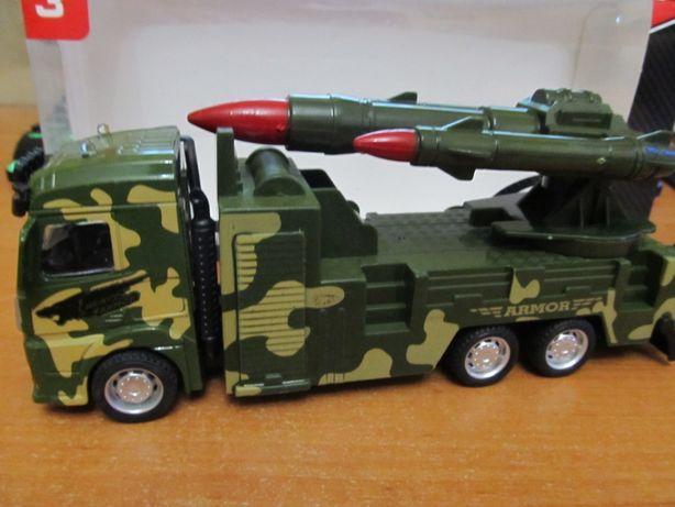Машинка военная инерционная ,кабина металлическая