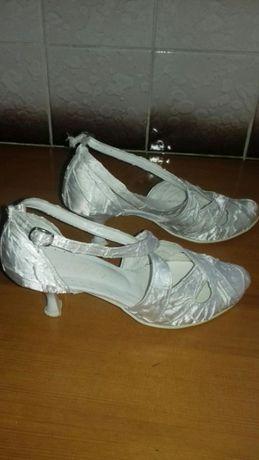 Buty ślubne, komunijne
