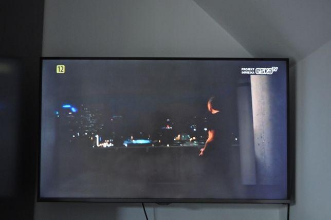 Telewizor Samsung 40 cali + uchwyt na ścianę