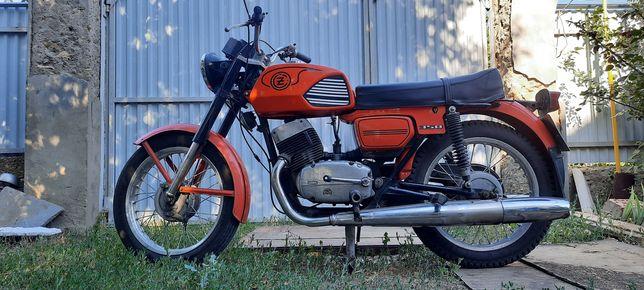 Продам срочно  мотоцикл CZ