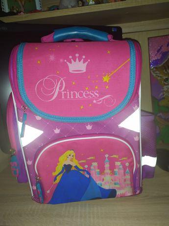 Рюкзак ,портфель в школу