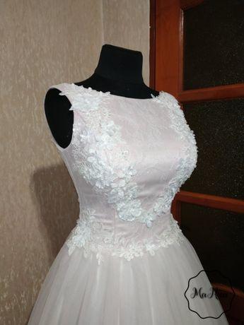 Весільна сукня нова
