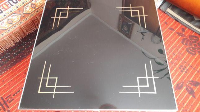 Продам новий стіл кухонний або у вітальню (виробництво Німеччина).
