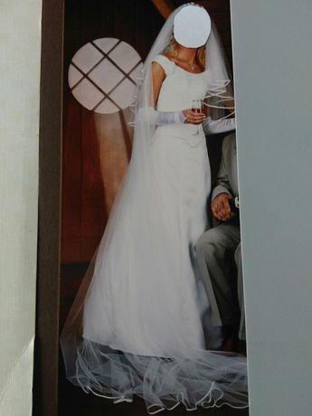 Suknia ślubna + welon krótki i długi oraz rękawiczki.