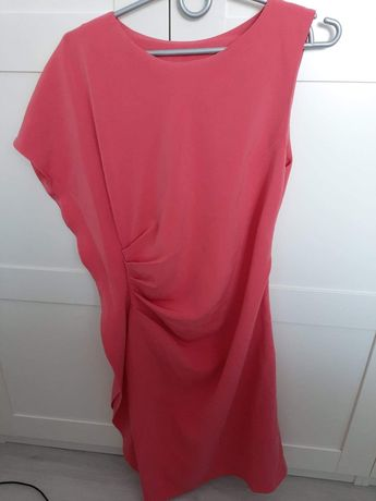 Mam do sprzedania raz ubraną szytą sukienke rozmiar 36/38