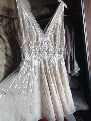 Sukienka cekinowa zdobiona tliu złoto sylwester asos 38