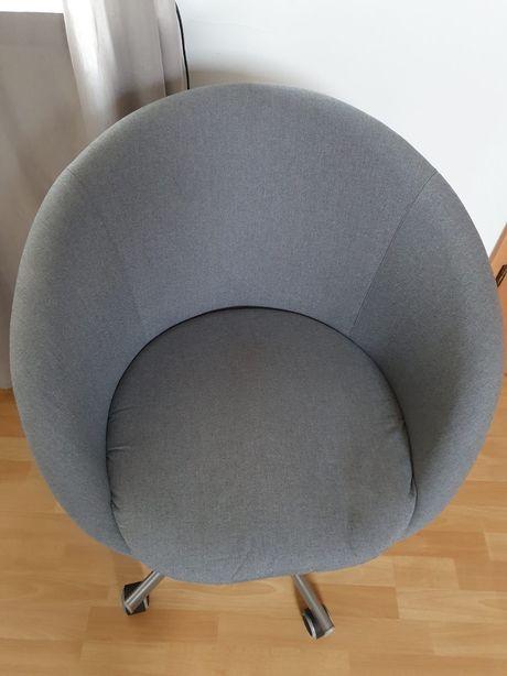 Krzesło obrotowe Ikea SKRUVSTA, szare