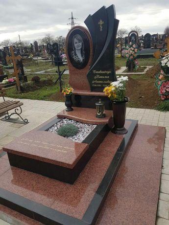 Памятник гранитный, установка на Таировском и любом другом кладбище.