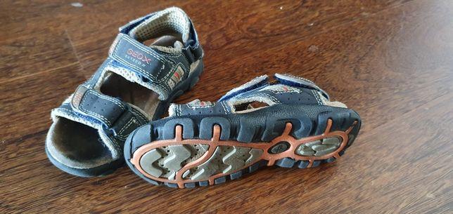 Sapatos de menino tamanhos 24-26